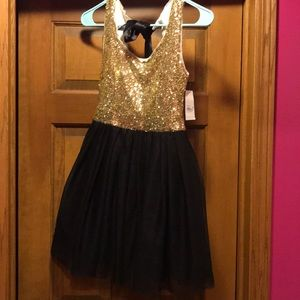 B Darlin Dresses - Adorable homecoming dress gold sequin black Sz 1/2